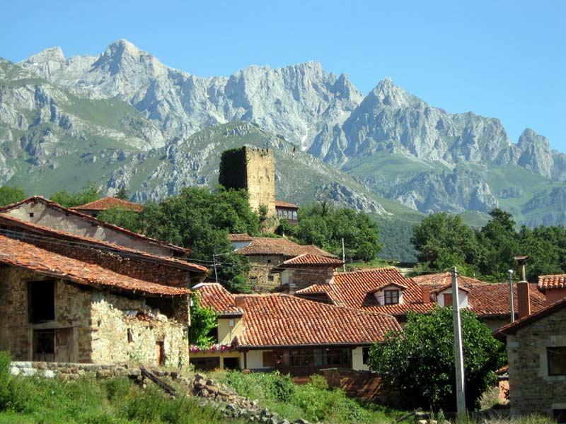 Mogrovejo Pueblo de Cantabria 2017