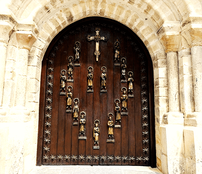 puerta el perdon monasterio santo toribio de liebana