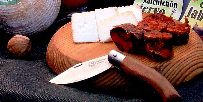 queso y chorizo lebaniego - ruta gastronómica por liébana - hostal remoña