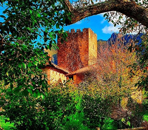 Torre medieval del pueblo de Mogrovejo